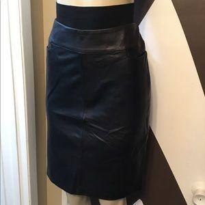 NWOT SHIN choi 100 % Italian leather black skirt.